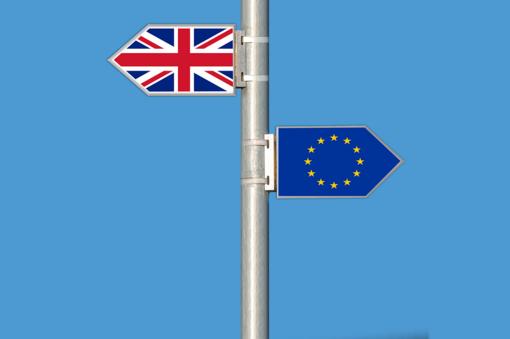 """Britanijos premjeras B. Johnsonas pasirašė """"Brexito"""" susitarimą"""