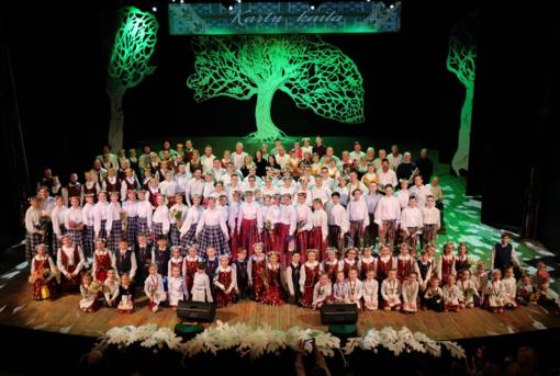 """Marijampolės kultūros centre – tradicinis festivalis """"Kartų kaita"""""""