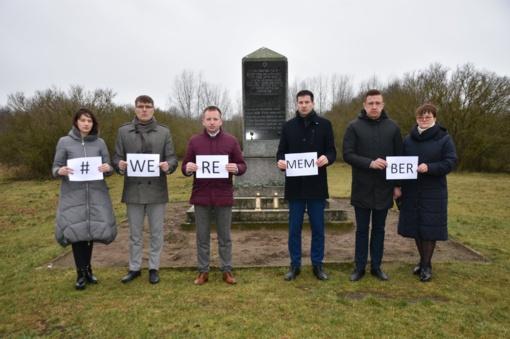 """Marijampoliečiai jungiasi prie """"Mes prisimename"""" akcijos"""