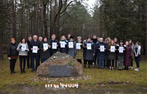 Prienuose paminėta Tarptautinė Holokausto aukų atminimo diena