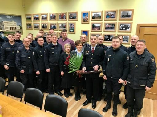 Atsisveikinta su dviem Ukmergės priešgaisrinės gelbėjimo tarnybos pareigūnais