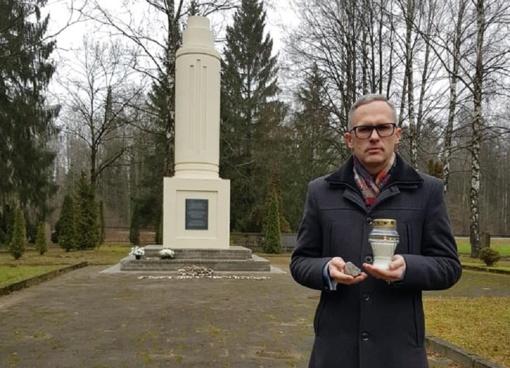 """Šakių rajono savivaldybė dalyvavo pasaulinėje akcijoje """"Mes prisimename – We remember"""""""