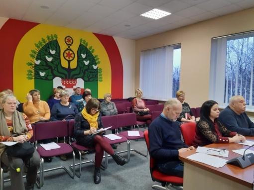 """Šilalės rajono savivaldybės salėje vyko seminaras """"Seniūnaičio kompetencija: teisės, pareigos ir atsakomybė"""""""
