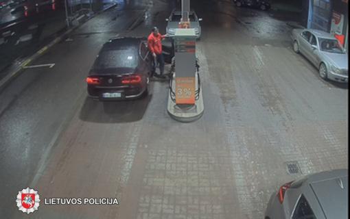 """Policija ieško, kas Panevėžio degalinėje """"pamiršo"""" sumokėti 183 eurus"""