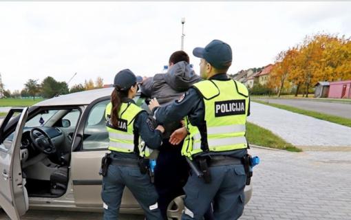Vagystėmis uostamiestyje įtariamas vyras pagaliau suimtas