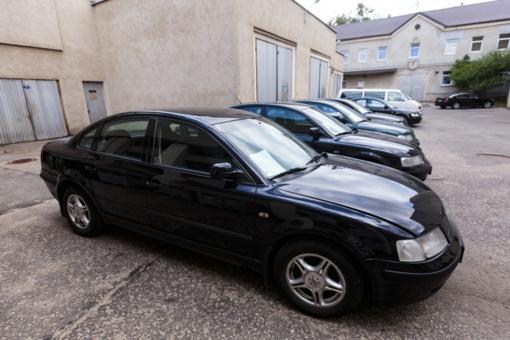 Siūloma leisti Seimo nariams iš parlamentinių lėšų apmokėti ir automobilio trumpalaikę nuomą