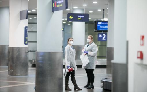 Vilniaus oro uoste keleiviai pradedami testuoti dėl COVID-19