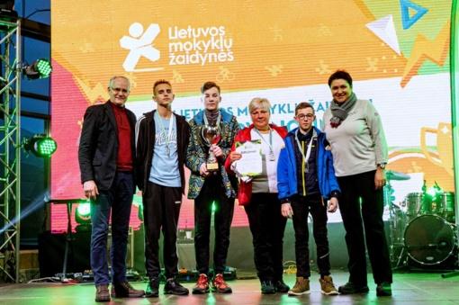 Šilalės Dariaus ir Girėno progimnazijos vaikinų snieglenčių komanda – Lietuvos vicečempionai