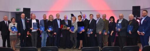 Sėkmingiausiems Varėnos rajono verslininkams įteikti garbingi apdovanojimai (fotogalerija)
