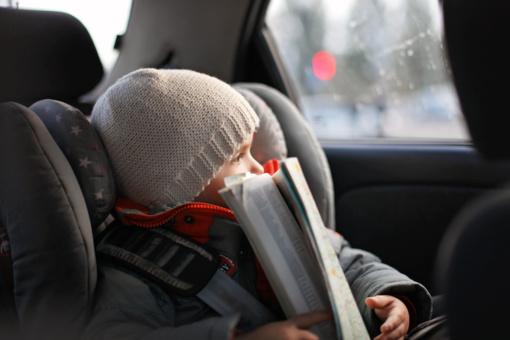 Telšiuose automobilyje užsitrenkė vaikas