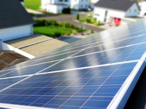 """""""Utenos šilumos tinklai"""" statys saulės elektrinę"""