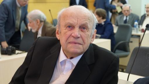Šiaulių miesto garbės pilietis Vytenis Rimkus iškilmingai pasveikintas su 90-uoju jubiliejumi (vaizdo įrašas)