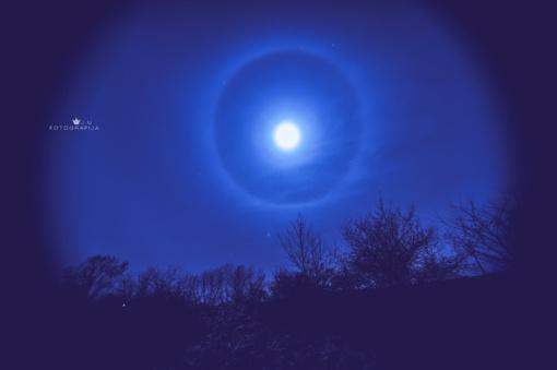 Anykščiuose užfiksavo įspūdingą Mėnulio halą, tiksliau – net du