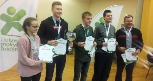 Marijampolės Rygiškių Jono gimnazijos šachmatininkų komanda Lietuvos mokyklų žaidynių vicečempionė