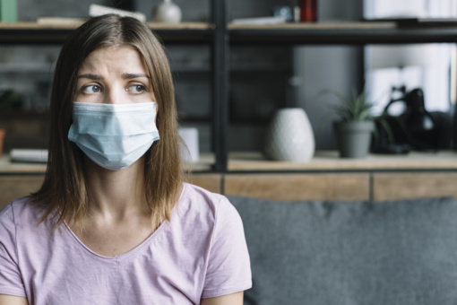 PSO vadovas: dėl koronaviruso protrūkio pasaulyje pradeda trūkti apsauginių kaukių