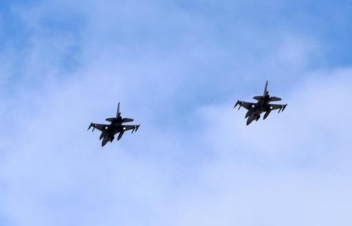 NATO naikintuvai du kartus kilo atpažinti ir palydėti Rusijos karinių orlaivių