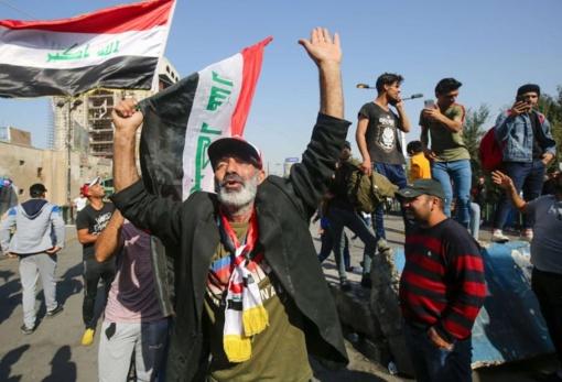 Irako dvasininkas išformuoja mirtinais išpuoliais prieš protestuotojus kaltinamą grupuotę