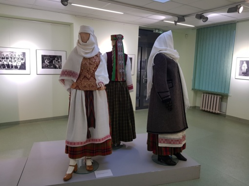 Kviečia pasigrožėti tautiniais kostiumais