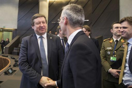 NATO gynybos ministrai sutarė dėl misijos Irake tęsimo