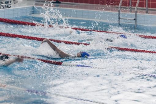 Atviros žmonių su negalia plaukimo varžybos, skirtos Lietuvos valstybės atkūrimo dienai paminėti