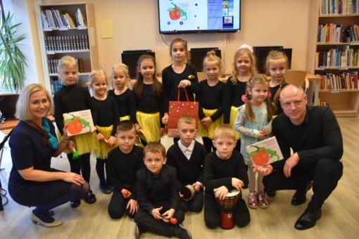 Kraštietės dovana mažiesiems klausytojams, mokytojams ir tėveliams