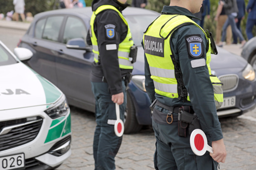 BMW vairavusi marijampolietė naktį praleido areštinėje