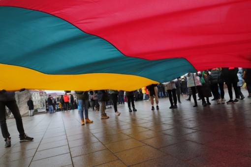 D. Trumpas, E. Macronas, V. Putinas ir kiti sveikina Lietuvą švenčiant valstybės atkūrimą