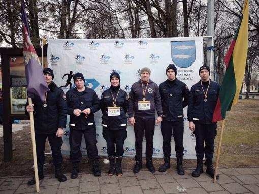 """Švenčionių ugniagesiai dalyvavo renginyje """"Bėgame už laisvę"""""""