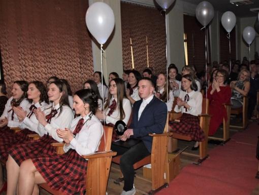 Stakliškių gimnazijos abiturientai pradeda skaičiuoti paskutines dienas