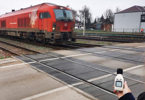 """Kviečia susipažinti su projekto """"Triukšmą slopinančių sienelių Radviliškio geležinkelio stotyje statyba"""" projektiniais pasiūlymais"""