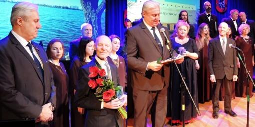 Garbės piliečio regalijos įteiktos Algirdui Pranui Garbauskui