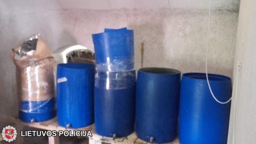 Marijampolės pataisos namų sektoriuje rastas visas naminukės fabrikėlis