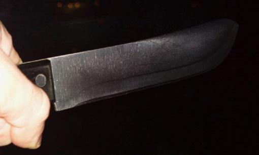 Vieštovėnų kaime neblaivus vyras švaistėsi peiliu