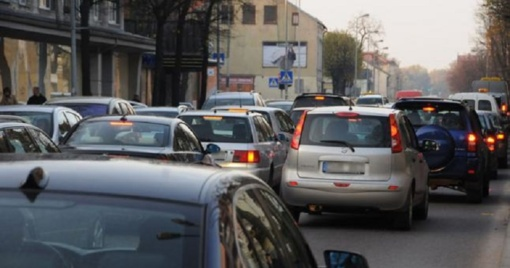 "Senų ""kibirų"" Klaipėdos gatvėse mažai, bet eismas blogėja"