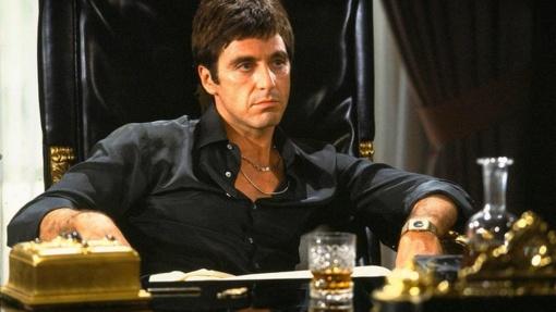 """Filmo apžvalga: """"Žmogus su randu"""" (1983)"""