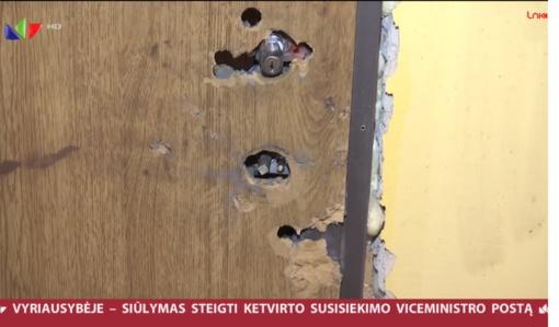 Kupiškyje girtas vyras apšaudė buvusios sutuoktinės buto duris (vaizdo įrašas)