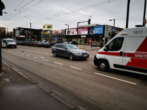 "Dainavos rajone ""BMW"" automobilis partrenkė pėsčiąjį"