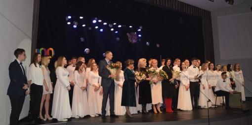 """Šimtadienius atšventė Jiezno ir Prienų """"Žiburio"""" gimnazijų abiturientai"""