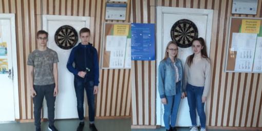 Širvintų Lauryno Stuokos-Gucevičiaus gimnazijos merginų ir vaikinų komandos – smiginio varžybų nugalėtojos