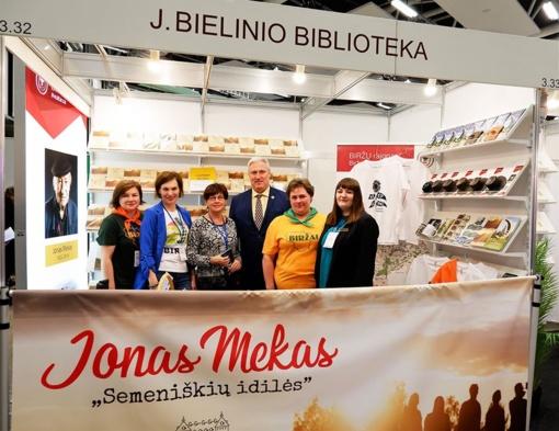 Vilniaus knygų mugėje pristatytas Jono Meko kraštas