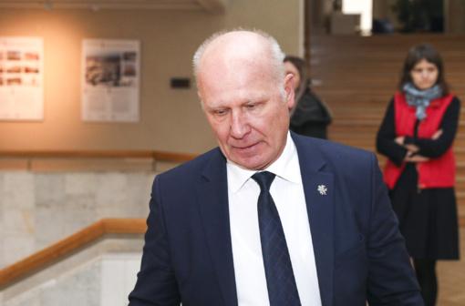 Viceministras A. Šešelgis: po 6 valandų paaiškės tyrimų rezultatai