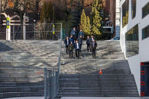 Vienybės aikštės laiptai – tikri spąstai pėstiesiems: teks būti labai atsargiems