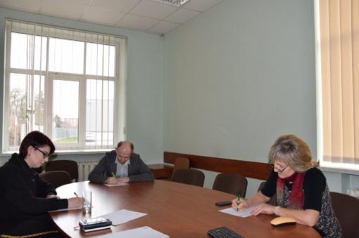 Lietuvių kalbos mylėtojai Savivaldybėje rašė Nacionalinį diktantą