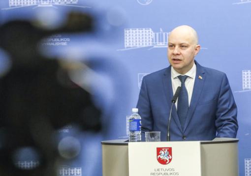 A. Veryga nurodo institucijoms ir savivaldybėms teikti pagalbą žmonėms, Šiauliuose atšaukti masinius renginius