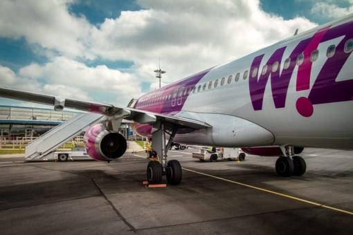 """""""Wizz Air"""" dėl koronaviruso laikinai atšaukia dalį skrydžių"""