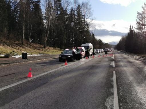 Savaitgalio reidai: neblaivūs vairuotojai ir pabėgimas iš įvykio vietos
