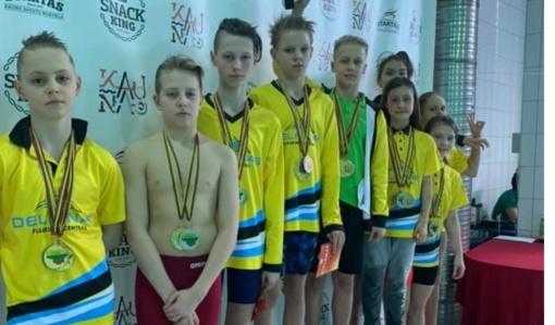 """Lietuvos vaikų pirmenybėse """"Delfino"""" plaukikai – pajėgiausi"""
