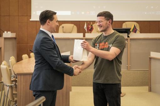 """Savivaldybėje patirtimi dalinosi """"Misija Sibiras'19"""" dalyvis Marijus Štilinis"""