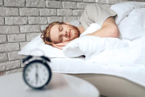 Kiek laiko reikia miegoti, kai sergate?