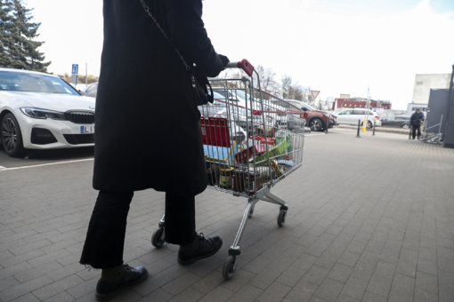 Su Varėnos didžiųjų prekybos centrų atstovais kalbėta dėl saugaus lankytojų apsipirkimo